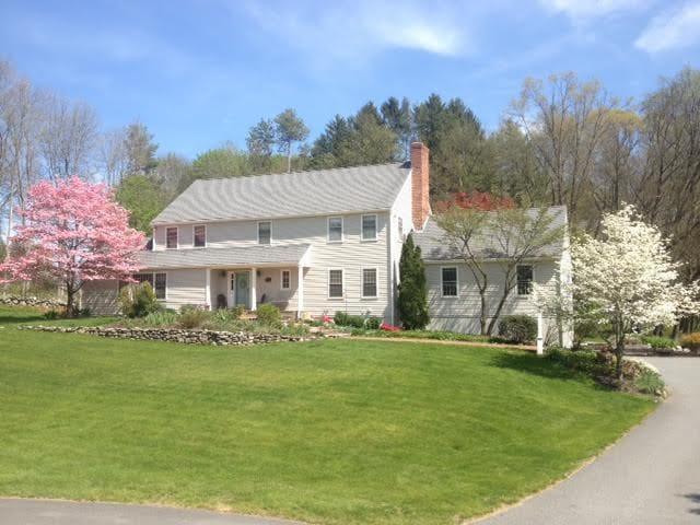 Wonderful Colonial in historic Sudbury MA - Sudbury - Дом