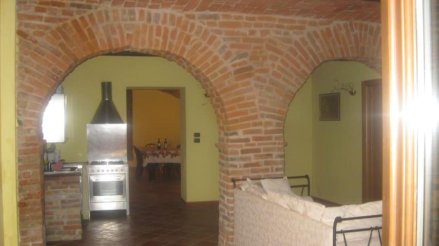 Casa vacanze e terrazzo panoramico - Mongardino, Monferrato, Asti - Daire