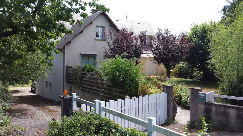 Maison de village - Flavin - Huis