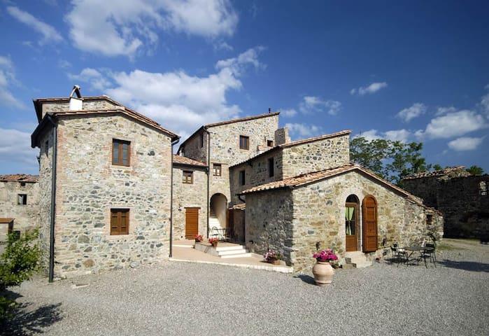 Tuscany Borgo Cerbaiola apartment - Montecastelli Pisano - Leilighet