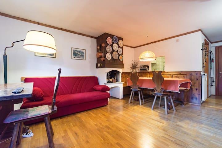 Bilocale in centro Cogne - Cogne - Appartement