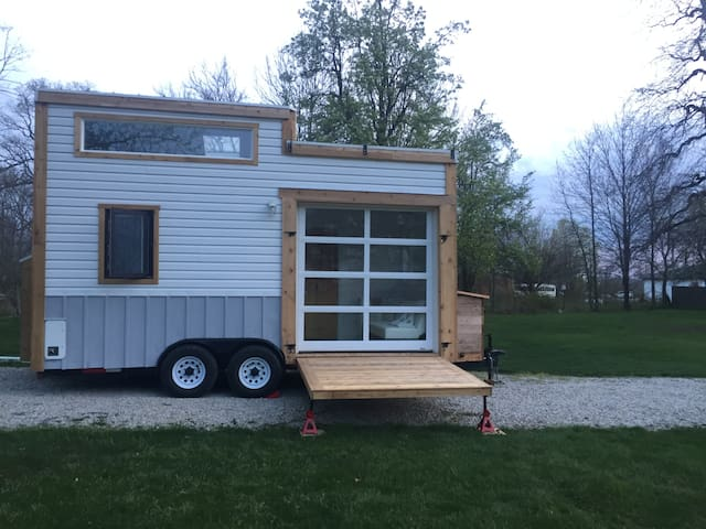 Two Deck Indianapolis Tiny House - Zionsville - Autocaravana