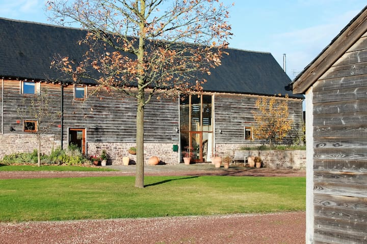 The Hay Barn 1 - spacious, characterful and homely - Bredwardine - Rumah