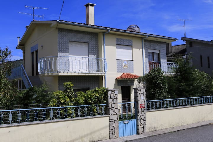 House in Braga with 3 Bedrooms - Gualtar - Huis