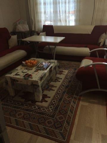 Akyaka'ya yakın güzel bir daire - Merkez - Apartament