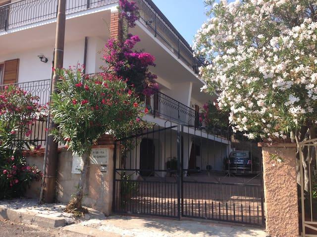 Cala Gonone appartamento in villa - Cala Gonone - Villa