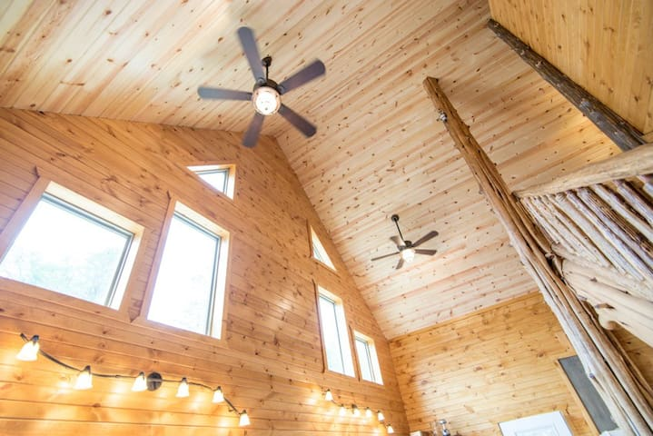 Hopewell Croft - Peaceful Cabin - Bentonville