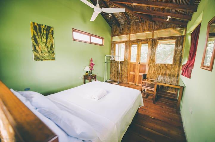Mombacho Room, Casa del Poeta. - Granada - Aamiaismajoitus