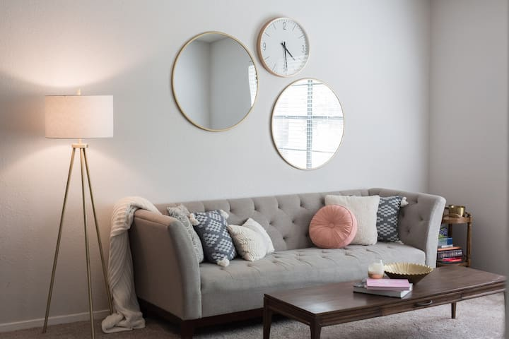 Mid-Century Apartment by DFW Airport - Bedford - Appartement