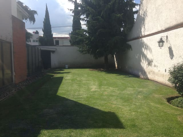 Private room in lovely and surveilled house - Metepec - Haus