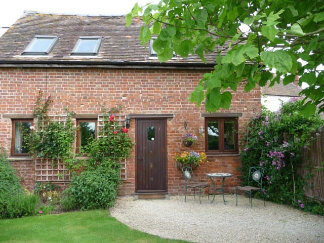 Orchard Barn Cottage - Peace and Tranquility - Upleadon - Huis