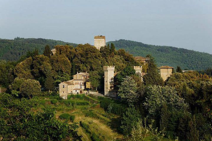 Gorgeous apartment with terrace in a castle - Panzano In Chianti