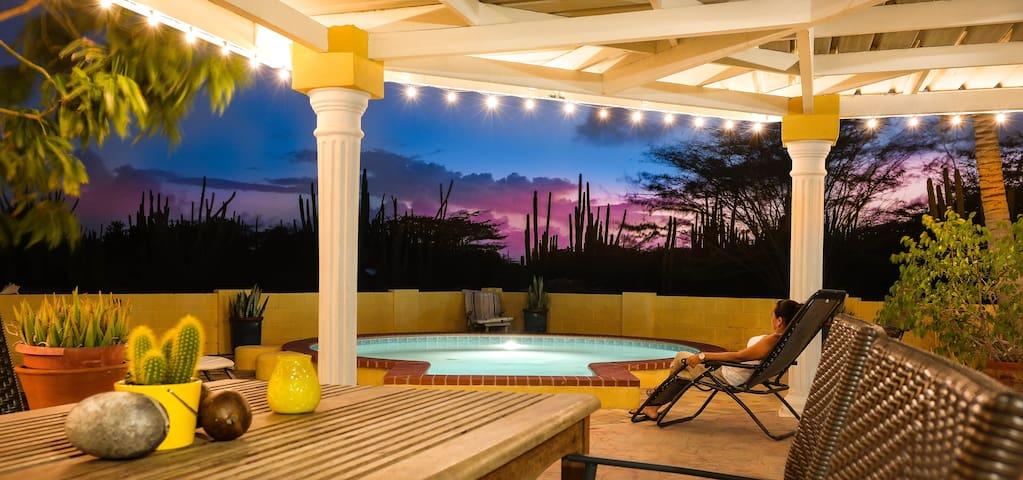 Yellow Escape Aruba Vacation Home - Santa Cruz