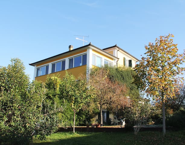 Charming Countryside Guest House - Rovescala