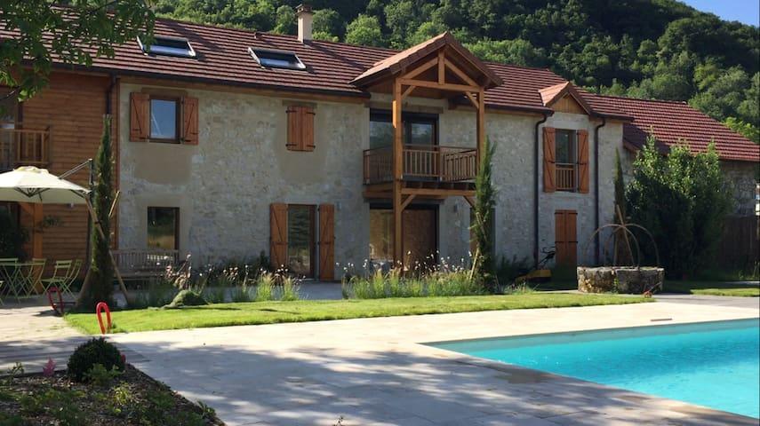 Beautiful House - Culoz - Casa