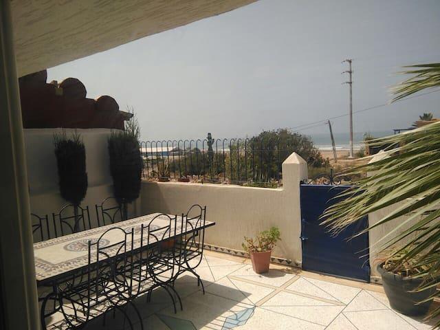 Super maison en bord de plage à 27 km d'Agadir - Imi Ouaddar - Casa