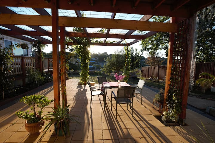 Doctor's Gully View Apartment and Artist Retreat - Daylesford - Leilighet
