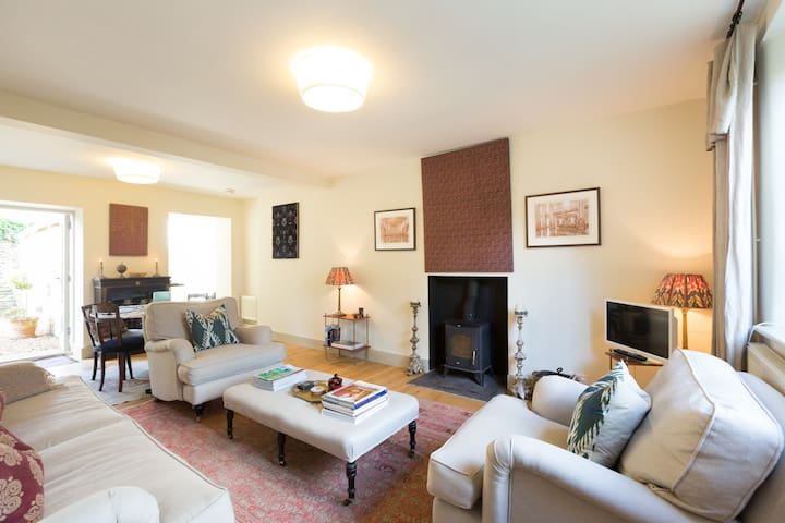 Chic & spacious Cotswolds cottage - Stow-on-the-Wold - 一軒家