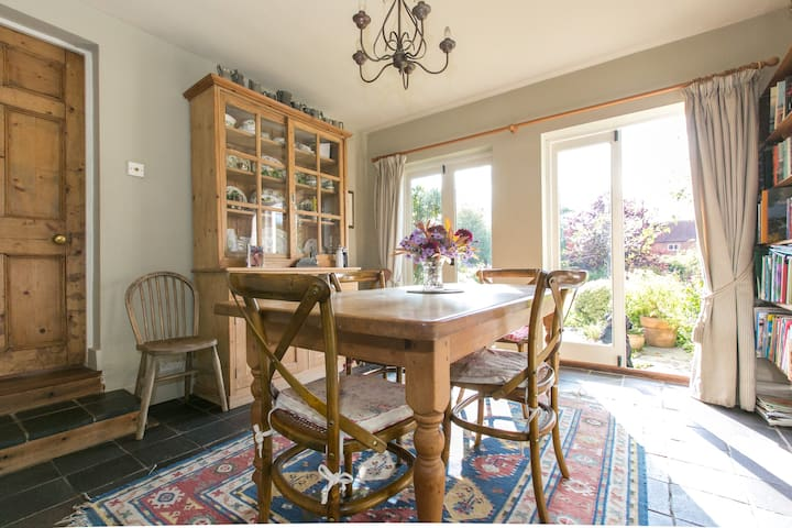 Delightful Double with Ensuite - Sulhamstead - Oda + Kahvaltı