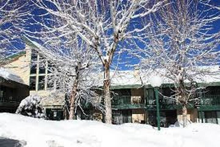 Fab lodge on the Lake! w great amenities! - Big Bear  - Résidence en temps partagé