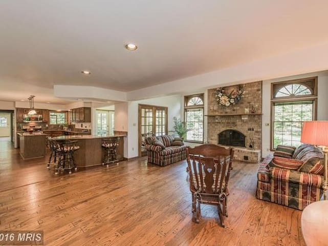 Large home in the Country - Sykesville - Huis