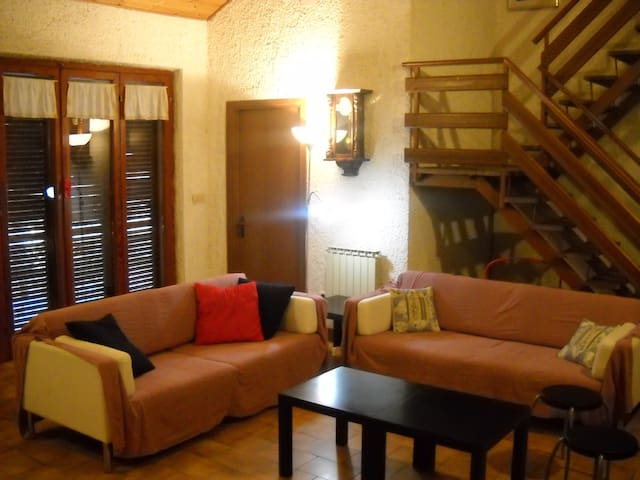 Villa immersed in the woods in Umbria - Castel dell'Aquila - Vila