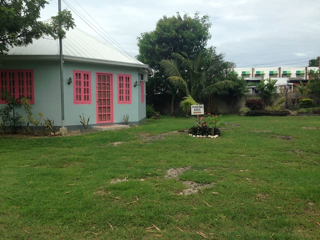 Cozy and Fully Furnished Home  - Cordova - Casa