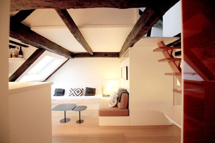 Modern & Bright Penthouse in Paris' Heart - París - Departamento