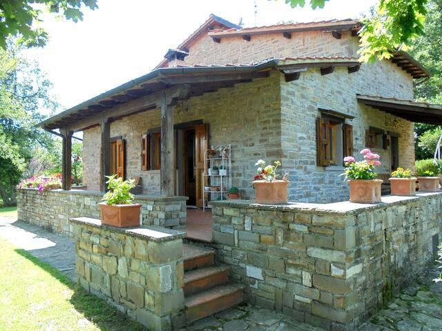 Casa Conny Villa indipendente con giardino - Poppi - Villa