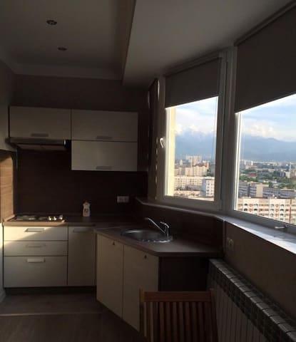 2х комнатная квартира посуточно (евроремонт) мкр 3 - Almaty