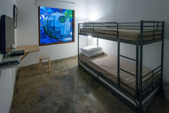 StarWars Rebels Room at K414 (Private Room) - Tamansari - Hus