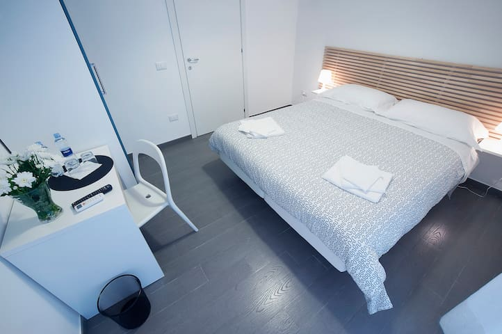 B&B Sempione Camera Matrimoniale - Cosenza - Bed & Breakfast