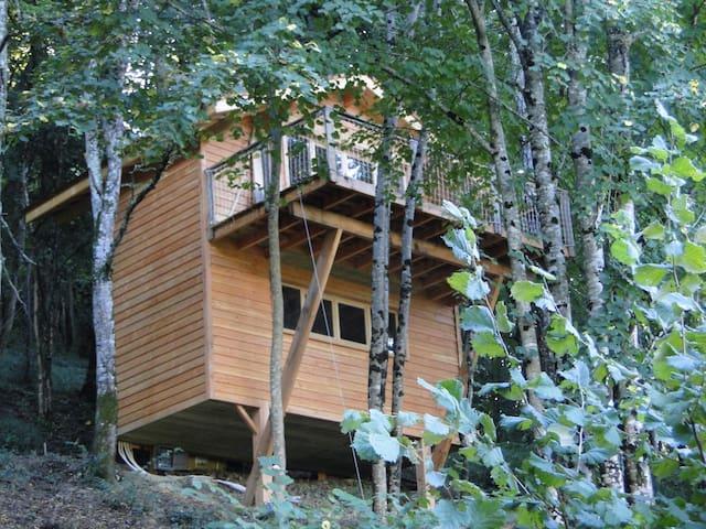 The Tree House at Courtebotte - Saint-Jean-de-Blaignac