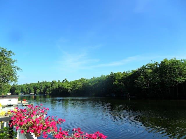 Water's Edge Lake Muskoka - Bala