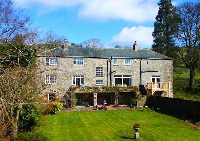 Private suite in country house - Uldale - Bed & Breakfast
