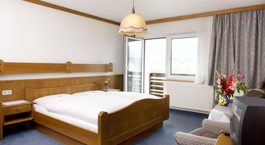 Gasthof im Waldviertel - Yspertal - Bed & Breakfast
