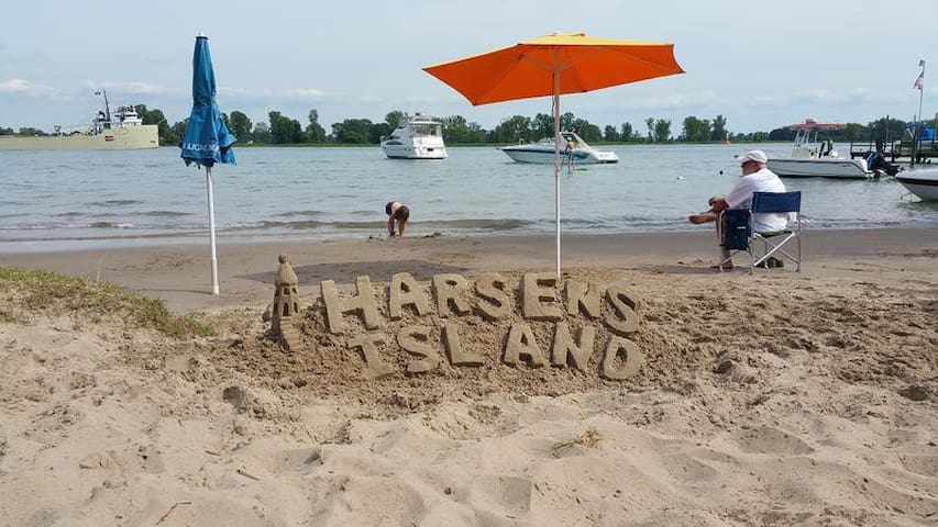 Harsens Island Bed and Breakfast - Harsens Island - Bed & Breakfast