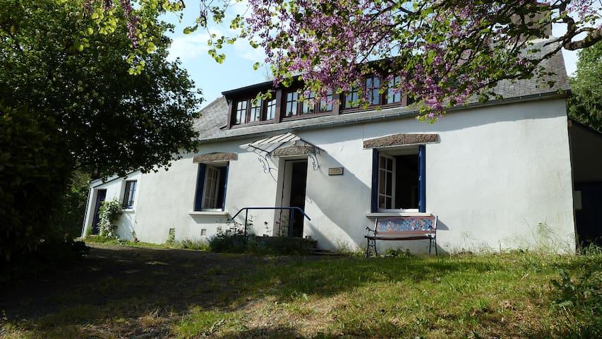 Breton Cottage ( Maison du Soleil ) - Locarn - Huis