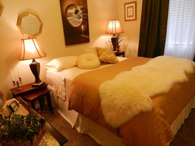 Cozy, clean room, very quiet area ! - Los Lunas - Casa