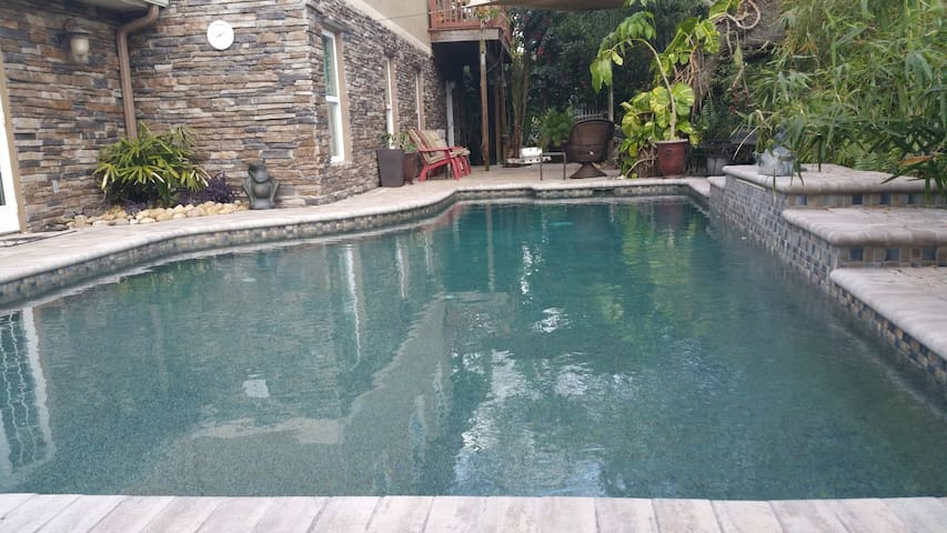 Tarpon Fun in the Sun with a Pool and Beaches - Tarpon Springs