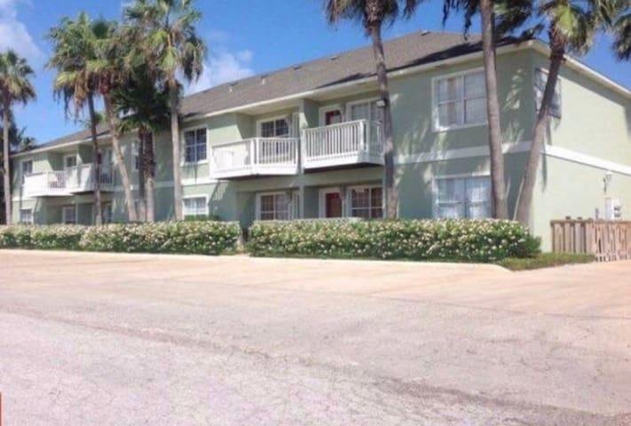 Condo #9 - Plus Garage / 2 Bedroom / 2 Bath - South Padre Island - Appartement en résidence