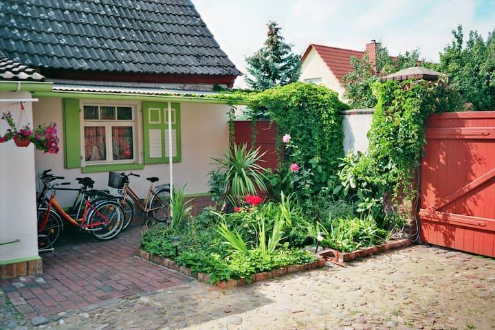 Urlaub auf dem Land - Ferienwohnung - Gräfenhainichen - Hus