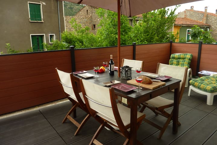 Lovely apartment, large terrace, Free Wifi - Ria-Sirach - Lägenhet
