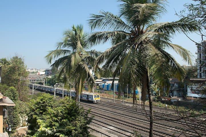 OWN KEY TERRACE APT VILEPARLE WEST - Mumbai - Apartmen