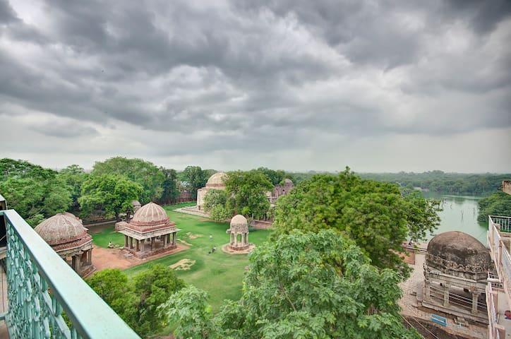 Heritage Apt 1@Hauz Khas Village - New Delhi