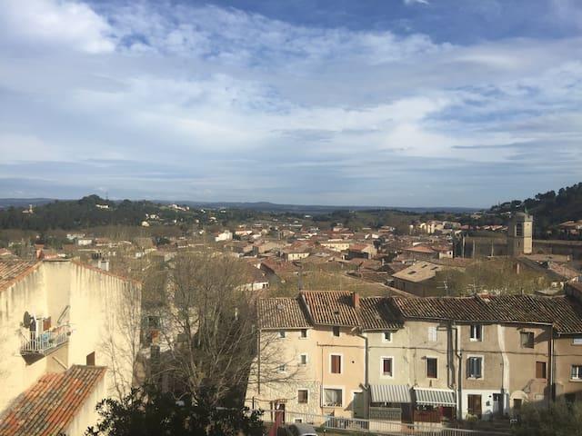 Moderne & climatisé, avec belle vue - Clermont-l'Hérault - Apartemen