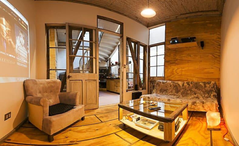 Charming patrimonial Chilean house - Santiago - Casa
