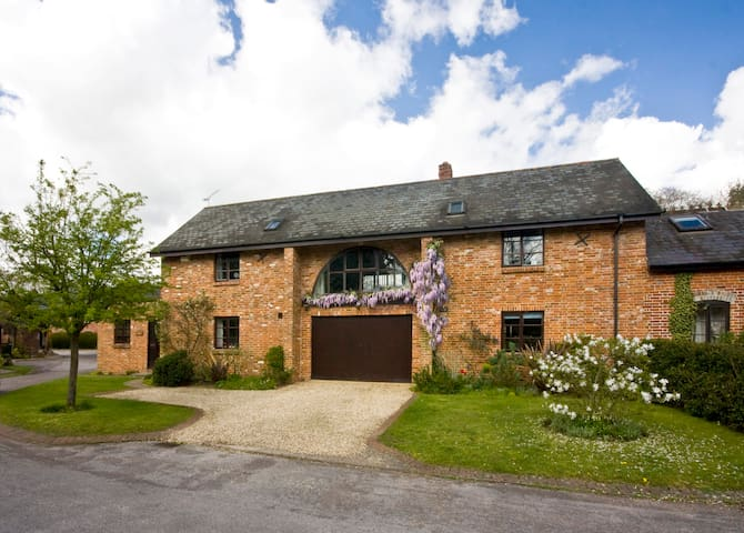CONVERTED BARN EDGE OF NEW FOREST - Sopley - Huis