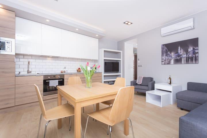 Modern and cozy apartment  for 2-6 people - AC - Kraków - Leilighet
