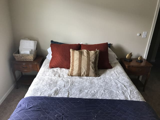 Enjoy a Quite & Safe Room near Atlanta, GA - Douglasville - Haus